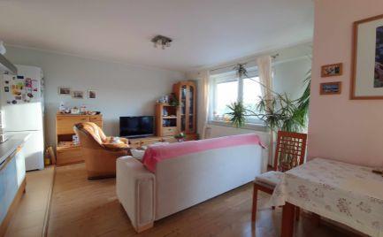 Ponúkame Vám na predaj pekný zariadený 2 izbový byt Nitra - širšie centrum