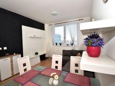 2i byt, 38 m2 – Rovinka, okr. Senec: ideálny štartovací byt – kompletne zariadený, ihneď voľný