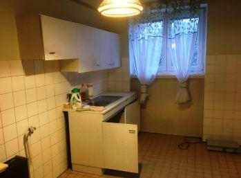 2-i byt, 60 m2 , TEHLA,uzavretý DVOR,vlastné KÚRENIE,REZERVOVANÉ