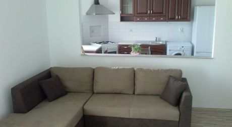 Ponúkame Vám na prenájom 3 izbový byt s balkónom a nádherným výhľadom v Karlovke