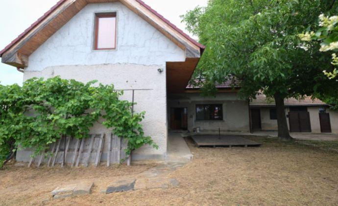 RD v obci Veľké Bedzany na pozemku 749m2 - prímestská časť mesta Topoľčany