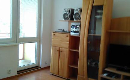 Ponúkame na prenájom 2-izbový zariadený byt s klimatizáciou na ulici Bárdošova, Kramáre (BA III).