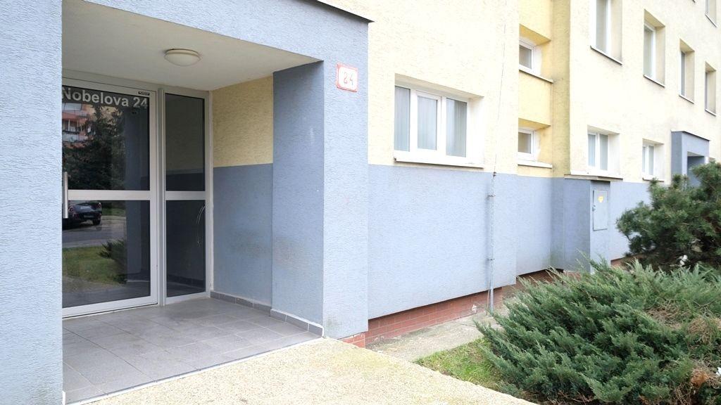 Iný-Predaj-Bratislava - mestská časť Nové Mesto-149900.00 €