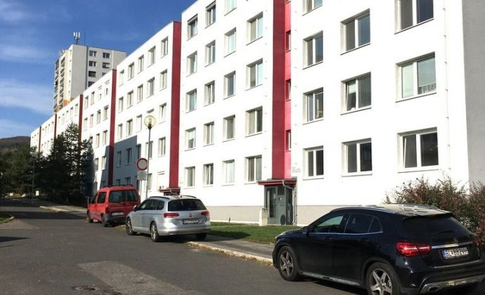 Moderne zrekonštruovaný 3-izbový byt RAČA, Bratislava 3, ul. KAFENDOVA
