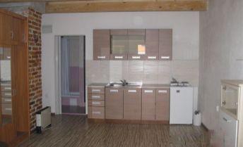 EXKLUZÍVNE na prenájom zariadená garsónka 30 m2, sídlisko Zapotôčky,Prievidza.