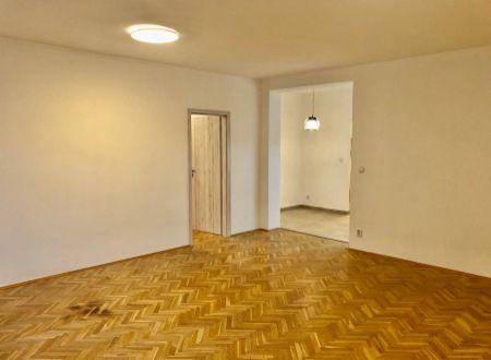EXKLUZÍVNE! Nový veľký 2i byt 73m2, terasa, Špitálska ul., Staré Mesto