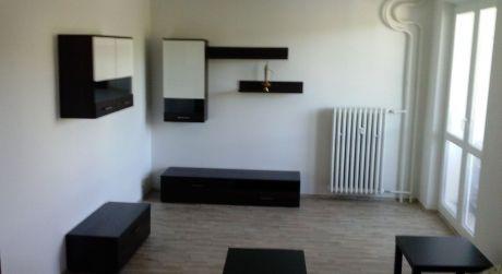 3 izbový byt v Karlovke s balkónom je na prenájom