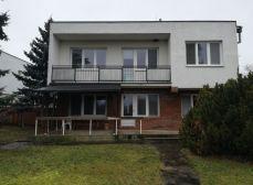 Zavar-  RD  vo výbornom stave + garáž a 837 m2 pozemok !!!