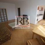 Slnečný 2-izbový byt na Astrovej ulici v Ružinove