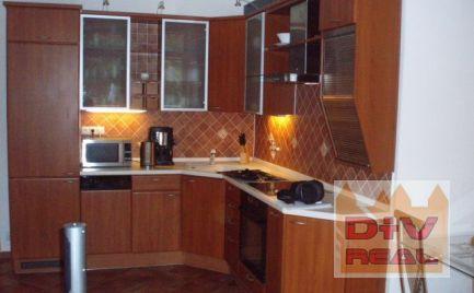 D+V real ponúka na prenájom: 2 izbový byt, Slávičie údolie, zariadený, klimatizácia, loggia, garážové státie v suteréne