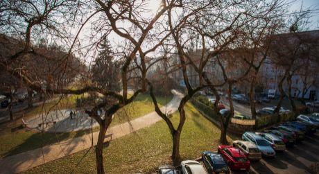 Predaj zaujímavého 3,5 izb. bytu v pôvodnom stave na Gajovej ul. v Starom meste s garážou!