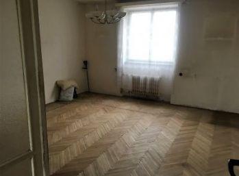 Bánovce nad Bebravou/ širšie centrum 2 izbový byt na predaj