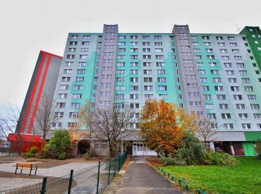 PREDAJ - veľký 3 izbový klimatizovaný byt vo výbornej lokalite na ulici Blagoevova