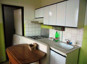 1-i byt, 40 m2, LOGGIA, ZATEPLENÝ dom,IHNEĎ VOĽNÝ,PREDANÉ