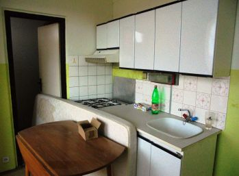 1-i byt, 40 m2, LOGGIA, ZATEPLENÝ dom,IHNEĎ VOĽNÝ,REZERVOVANÉ