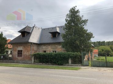 Historický objekt - ZEMIANSKA KÚRIA v okrese Nové Zámky s pozemkom 4830 m2