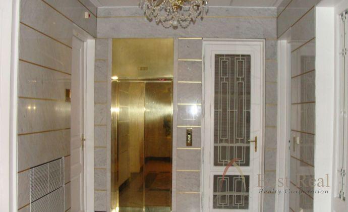 Best Real - kancelárie v centre mesta pri prezidentskom paláci, Staré mesto - Tolstého ulica.