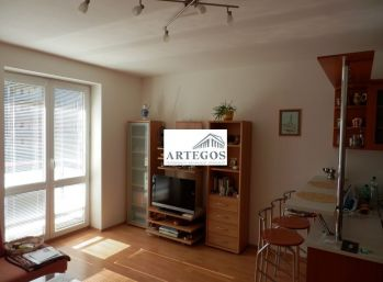2-izbový byt na prenájom na začiatku Petržalky