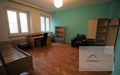 Veľký 2i byt na predaj, nepriechodné izby, Nitra - centrum