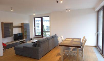 Prenájom 2 izbový byt v Bratislave I s terasou a parkovaním