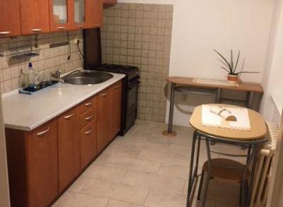 Ponúkame Vám na prenájom priestranný 1 izbový byt - 55m2 Bratislava Kadnárova ul.