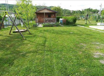 Rekreačná záhrada s ovocnými stromkami 10 ár. Svätý Jur