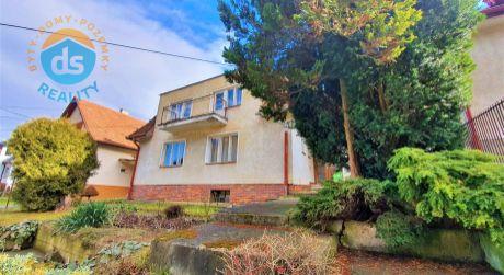 Na predaj rodinný dom 6+1, garáž, 921 m2, Trenčianske Teplice