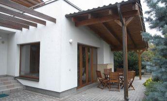 Rodinný dom s bazénom a saunou - Kramáre