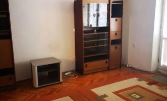 PRENÁJOM 3 izbového bytu na HLBOKEJ v NR - úžasná dispozícia! Nepriechodné izby!