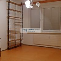 4 izbový byt, Bitúnkova, Nové Zámky, 84 m², Čiastočná rekonštrukcia