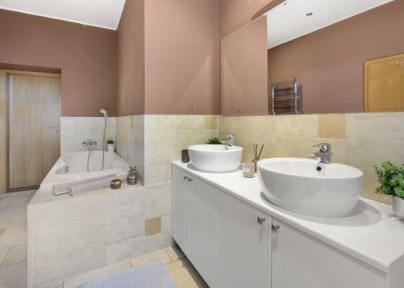 Predaj 4 izbový byt s vysokými stropmi, Ul. 29 augusta, 162 m2