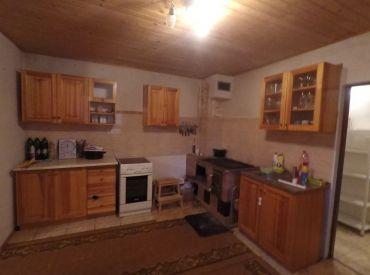 Menší rodinný domček 15 km od BB