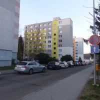 3 izbový byt, Žiar nad Hronom, 83 m², Pôvodný stav