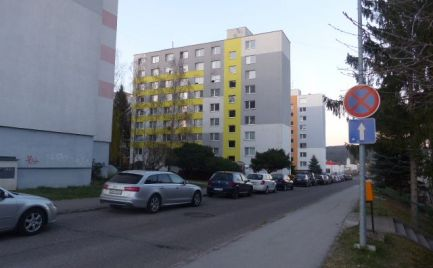 Na predaj 3,5 izbový byt na Etape, Žiar nad Hronom.