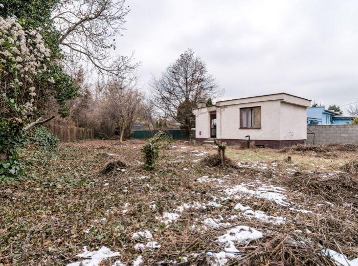 RUŽINOV – stavebný pozemok 548 m2, projekt UBYTOVNE (12 lôžok), PARKOVANIE pre 10 áut