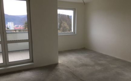 Predaj 3+KK bytu, 95 m2 s lodžiou,balkónom a parkovaním - NOVOSTAVBA - B. Bystrica – centrum, cena 172 000€,