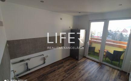 Luxusne rekonštruovaný 3 izbový byt - Solinky