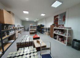 109 m2 SKLADOVÝ PRIESTOR s kanceláriami  V SENCI v blízkosti centra