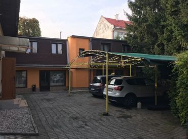 Rodinný dom 2x + polyf.stavba,854m2, Žilina centrum 370 000 €