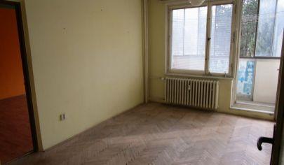 MARTIN 2 izbový byt 59m2 s lodžiou v pôvodnom stave, Sever