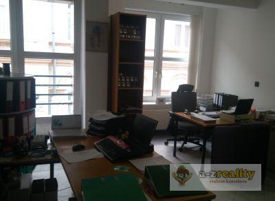 2888 Prenájom kancelárie v centra Nových Zámkov