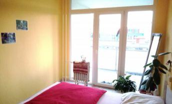 EXKLUZÍVNE U Nás! 3 izbový byt  prerobený na veľký 2izbový! -FRANCÚZSKE OKNO! LOGGIA!