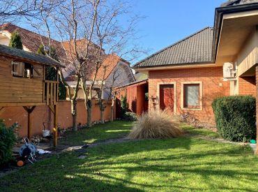 Prenájom 7-izbového rodinnného domu s veľmi peknou záhradou