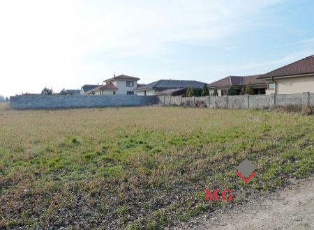 Na predaj 920 m ² slnečný pozemok v obci Cífer