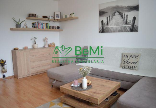 REZERVOVANÉ !! Predáme zrekonštruovaný 3 izbový byt - Zlaté Moravce (837-113-AFI)