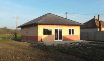 Predaj - 4 izbový rodinný dom - novostavba Dunakiliti - Maďarsko TOP PONUKA!
