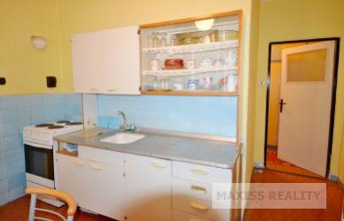 2- izbový byt na Sídlisku v Banskej Bystrici, 53 m2