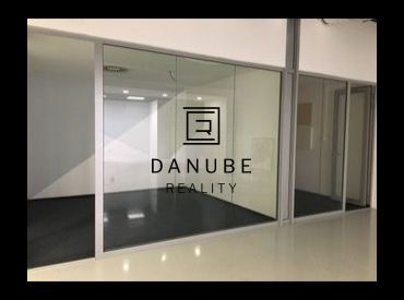 Prenájom kancelárií v štýle openspace na Dunajskej ulici v Bratislave-Starom meste.