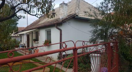 Na predaj rodinný dom v obci Pribeta.
