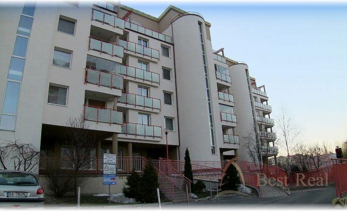 Best Real - predaj zariadených administratívnych priestorov, 80m2, na Žatevnej ulici v Dúbravke. VIDEO